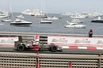 Grand Prix de Monaco sur fond de bateaux au mouillage