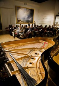 Piano au Musee de la Marine Photo-Sébastien Dondai