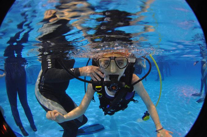 ambiance piscine au salon de la plongée