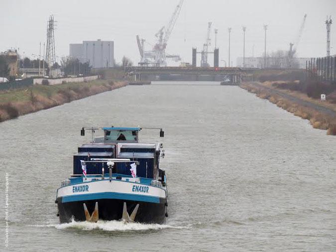 Dunkerque barge pour le fluvial