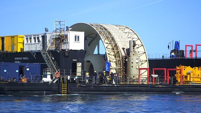 Hydrolienne OpenHydro sur sa barge Triskell