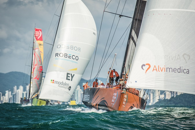 April 16, 2015. Team Alvimedica during the practice race in Itaja'. Photo  Marc Bow / Volvo Ocean Race