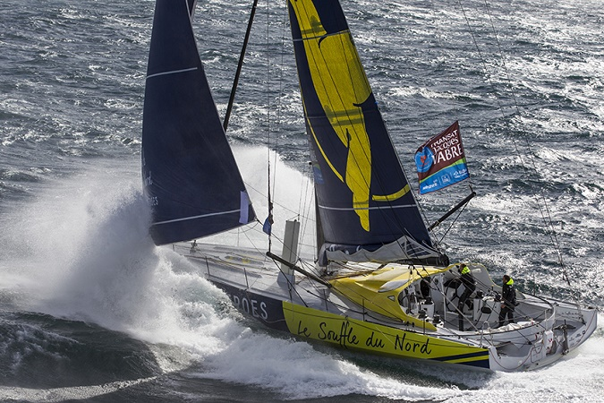 Banque Images Hélico - Le Souffle du Nord, Skipper : Thomas Ruyant et Adrien Hardy © Pierre Bouras / Le souffle du Nord